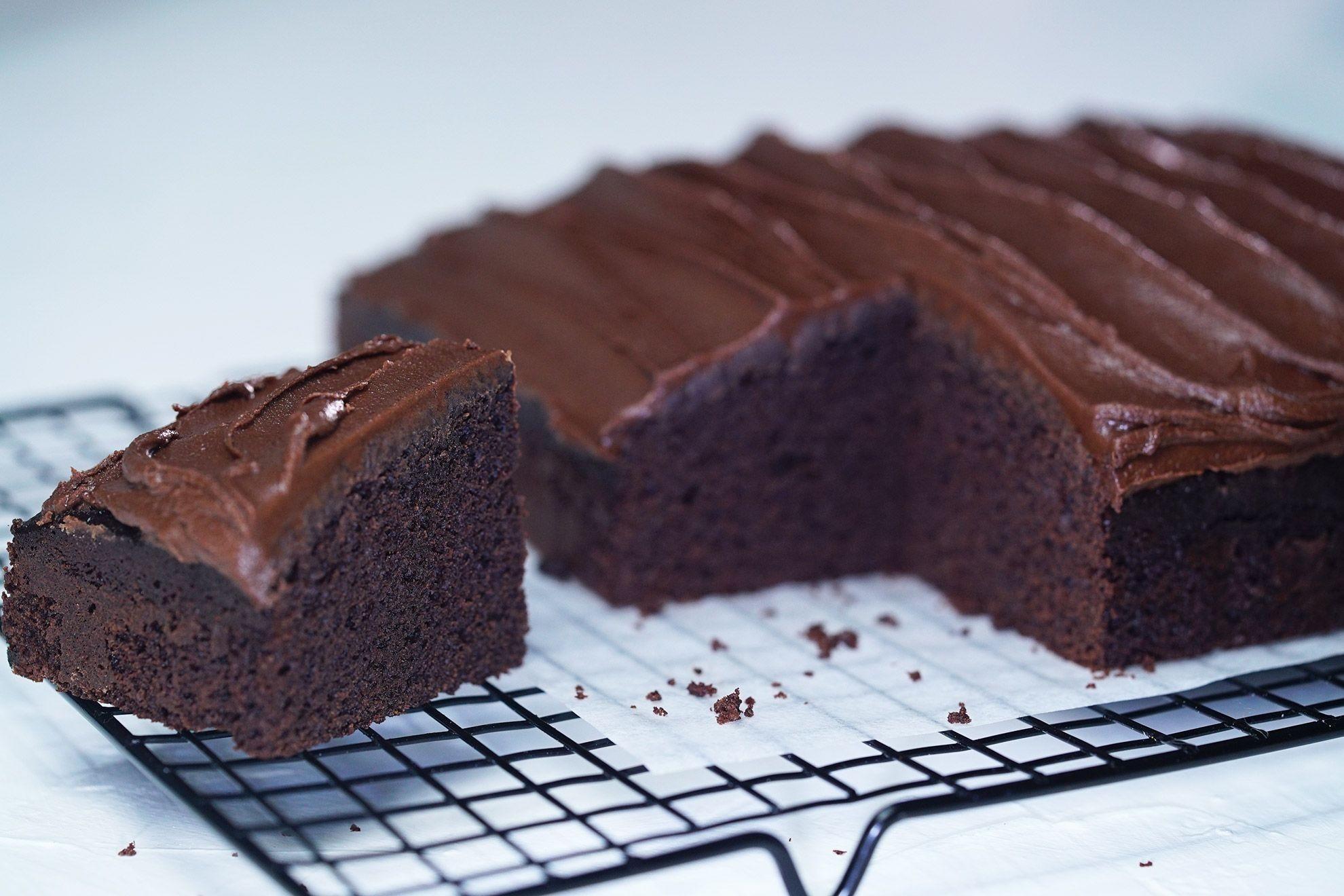 Easy Chocolate Cake Recipes  chocolate cake recipe with cocoa powder and self raising flour