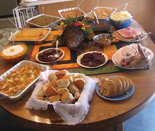 Easy Christmas Dinner  Easy Christmas Dinner Ideas – Happy Holidays