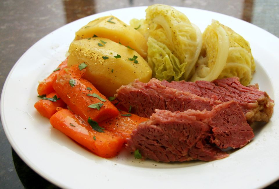 Easy Corned Beef And Cabbage  Slow Cooker Corned Beef and Cabbage Recipe