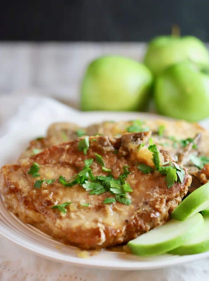 Easy Crockpot Pork Chops  Easy Crockpot Pork Chops and Apples