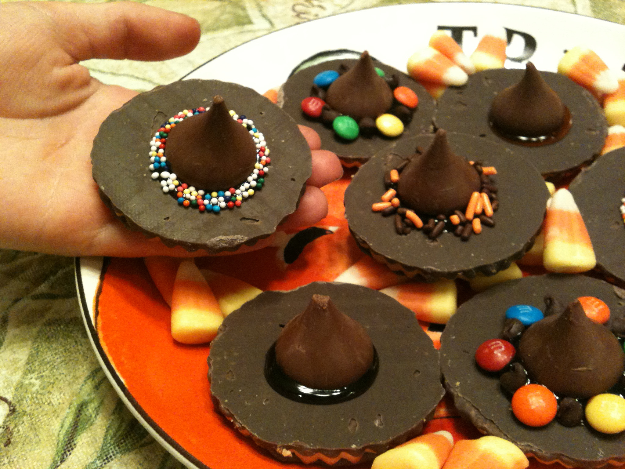 Easy Desserts For Kids To Make  23 No Bake Halloween Treats so Easy to Make It s Scary No