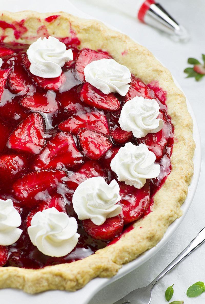 Easy Desserts Recipes  Fresh Strawberry Pie