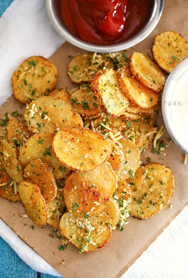 Easy Dinner Recipies  Parmesan Roasted Potatoes Kleinworth & Co