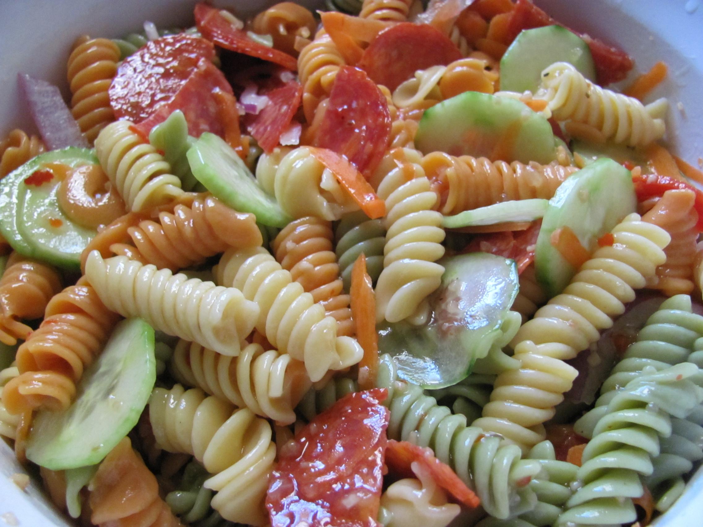 Easy Italian Pasta Salad  Easy Recipe Italian Pasta Salad Sabroso Saturday