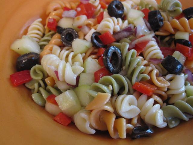 Easy Italian Pasta Salad  Tasty Tuesday Easy Pasta Salad