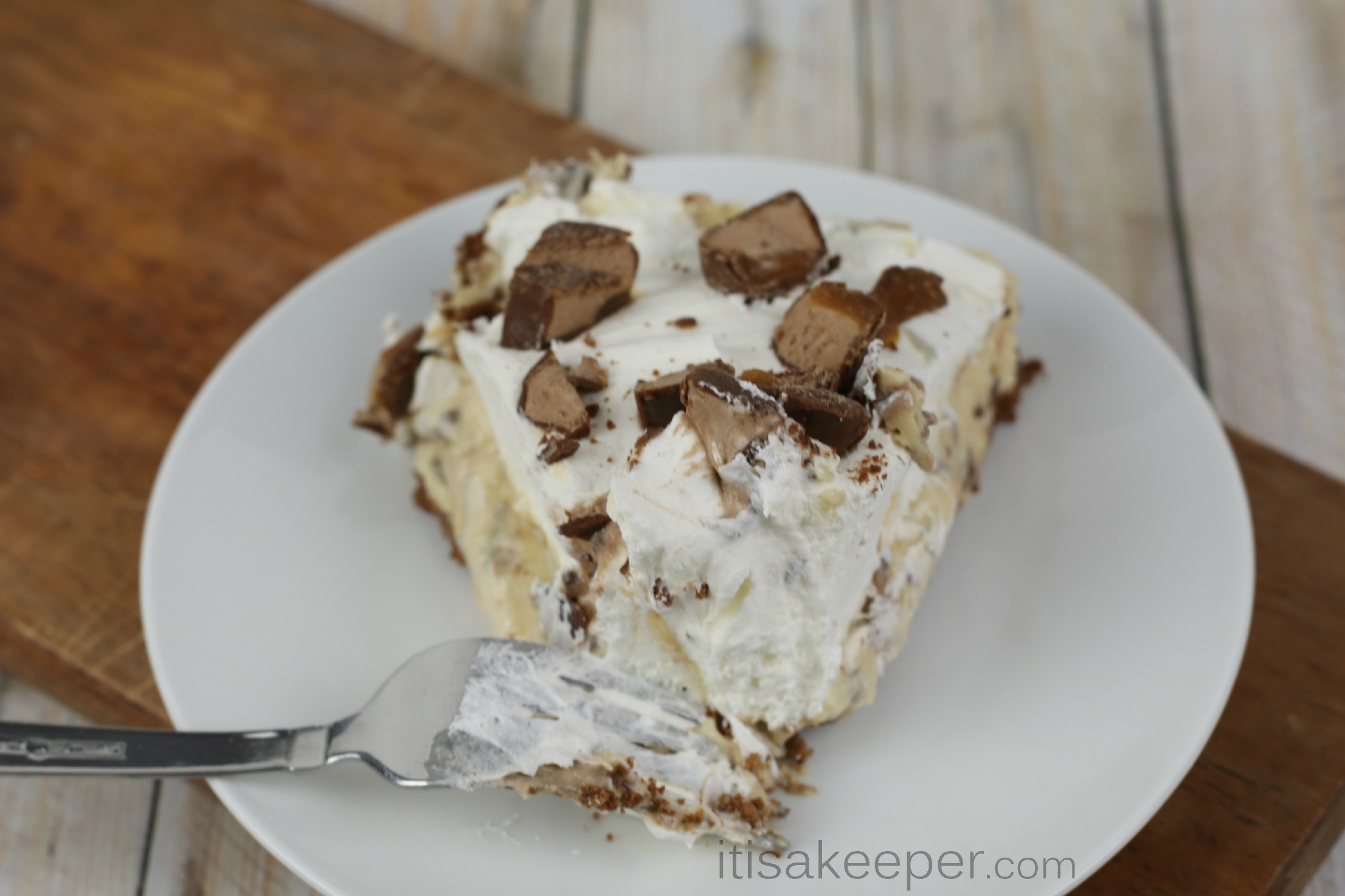 Easy No Bake Desserts  Easy No Bake Snickers Pie Recipe