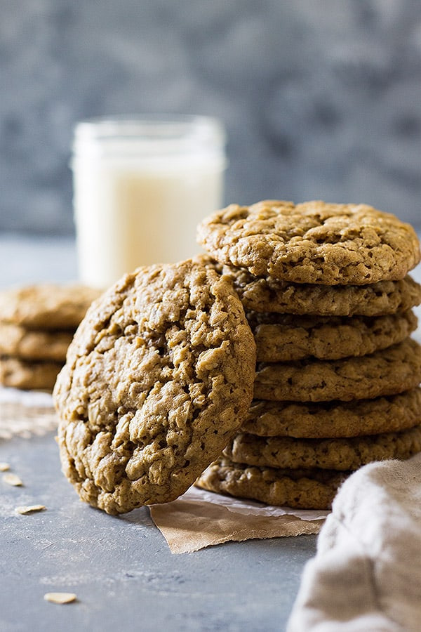 Easy Oatmeal Cookies  easy chewy oatmeal cookies