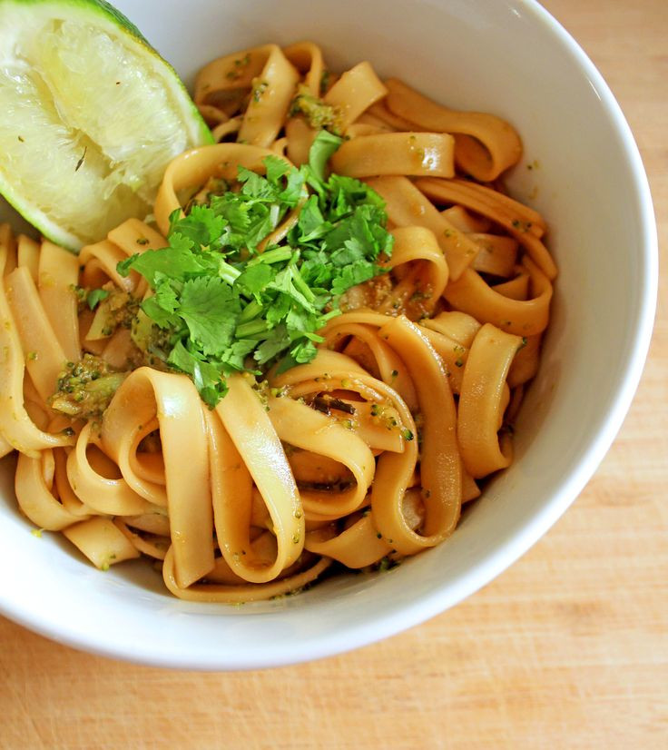 Easy Pad Thai  17 Best images about Different ways of pad Thai on