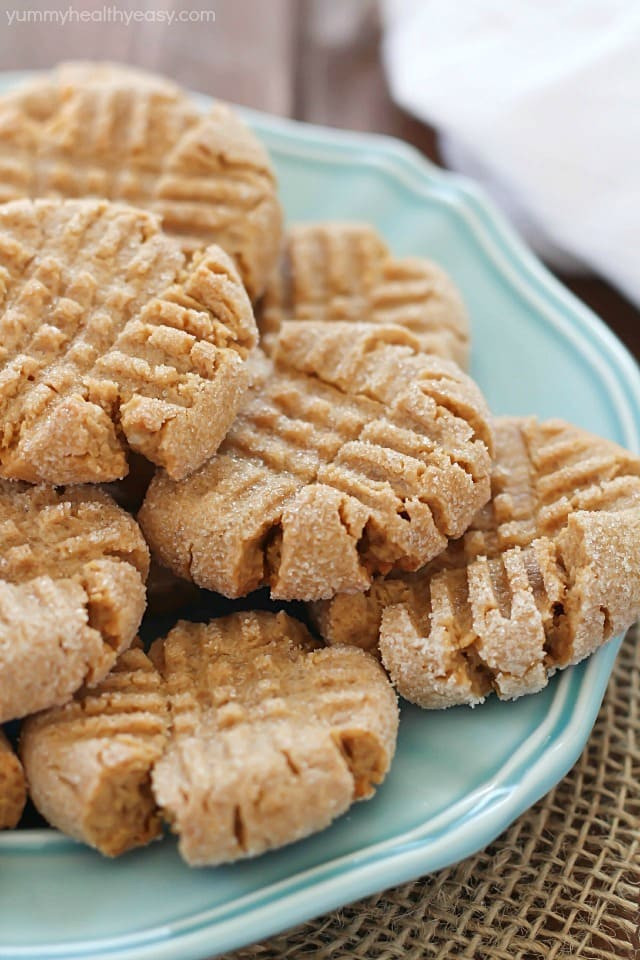 Easy Peanut Butter Cookies  truvia butter cookies