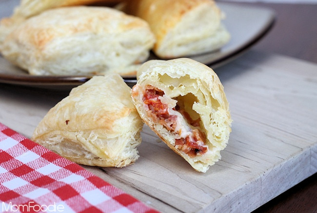 Easy Puff Pastry Appetizers  Easy Bacon Tomato & Cheddar Puff Pastry Appetizers