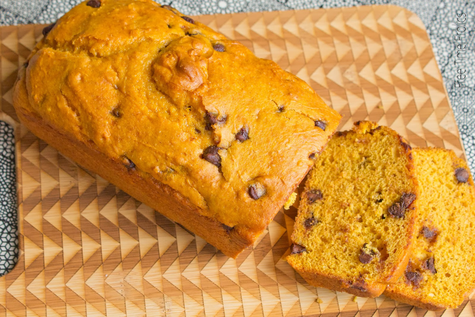 Easy Pumpkin Bread Recipe With Canned Pumpkin  1 Cup Chocolate Chips
