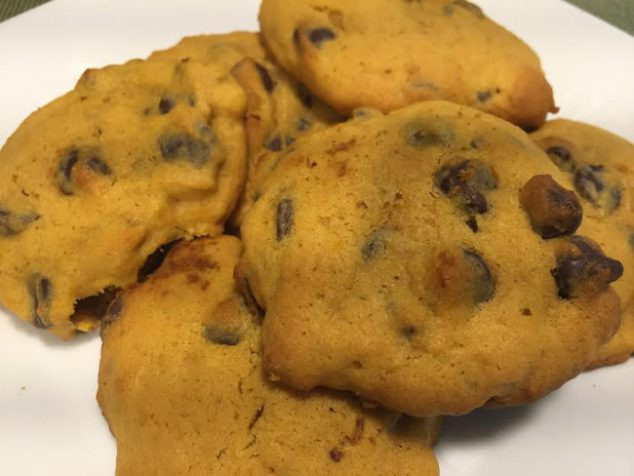 Easy Pumpkin Chocolate Chip Cookies  Easy Soft Pumpkin Chocolate Chip Cookies