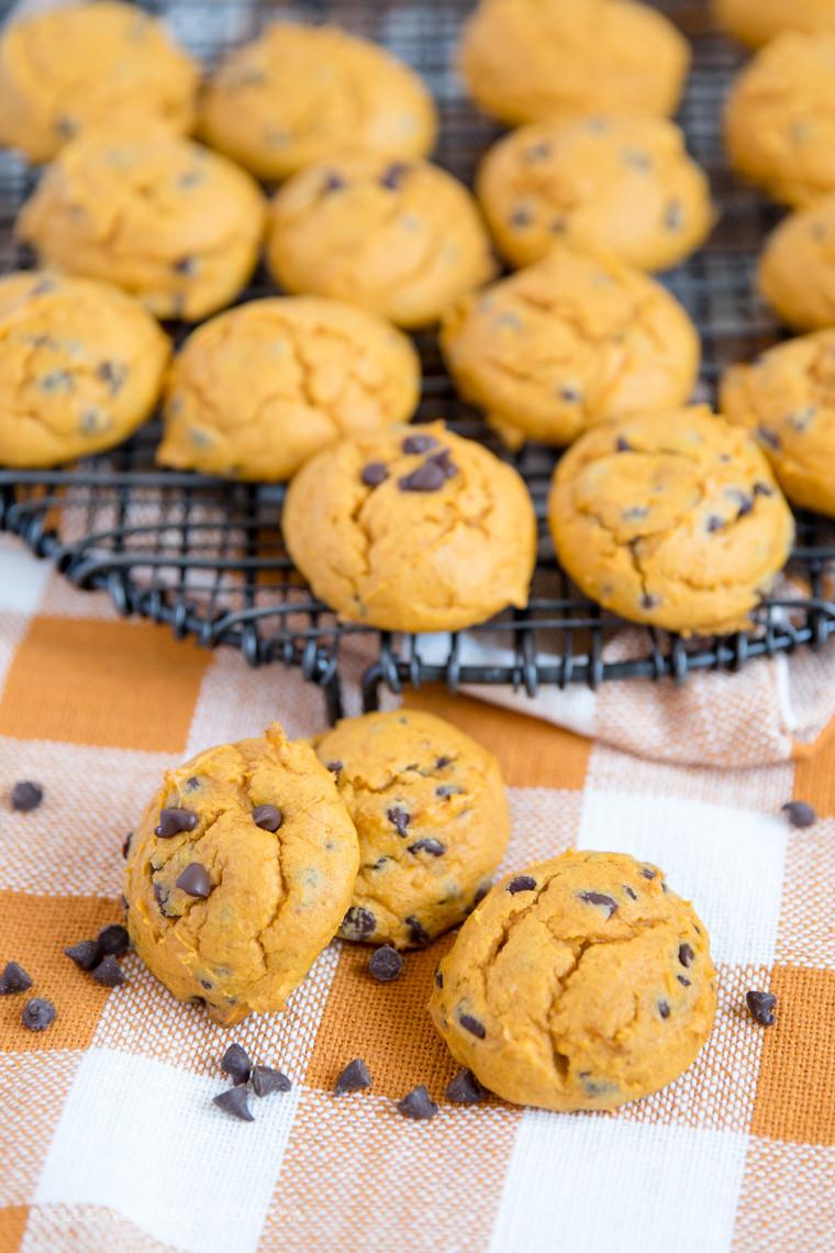 Easy Pumpkin Chocolate Chip Cookies  Easy Pumpkin Chocolate Chip Cookies made with Cake Mix