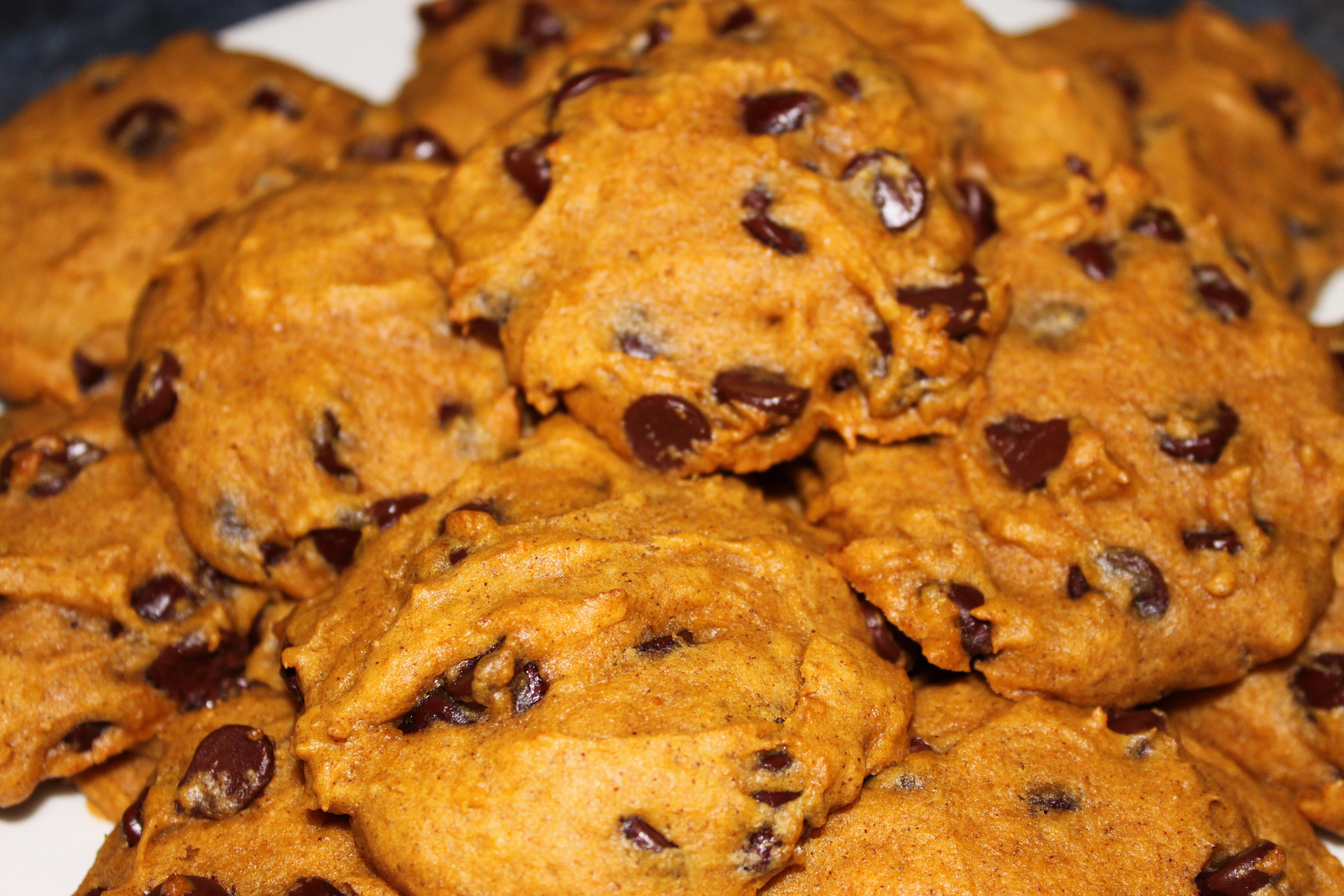 Easy Pumpkin Chocolate Chip Cookies  Pumpkin Chocolate Chip Cookies Two Ways