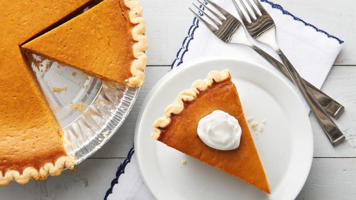Easy Pumpkin Pie Recipe  Easy Pumpkin Pie Recipe LifeMadeDelicious