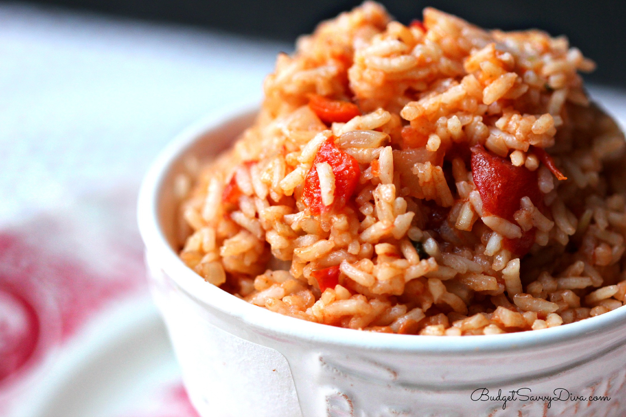 Easy Spanish Rice  6 Easy Dorm Room Meals For When You re Avoiding Dhall