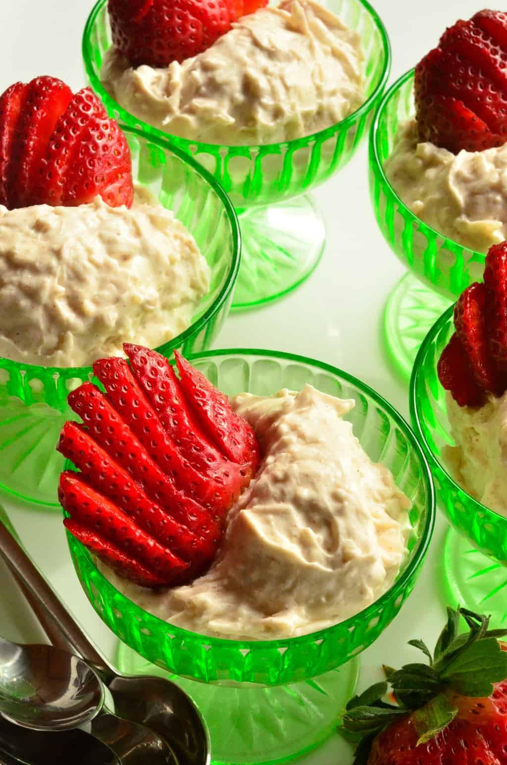 Easy Vegan Dessert  Easy Vegan Dessert 5 Minute Vegan Coconut Cream Dessert