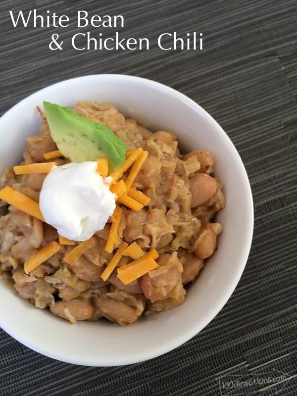 Easy White Bean Chicken Chili  SUPER EASY White bean and Chicken Chili