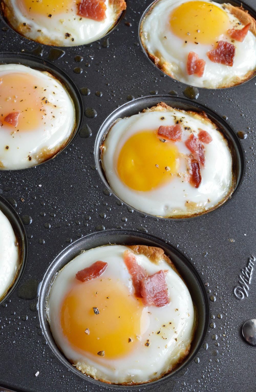 Egg Breakfast Recipes  Bacon and Egg Breakfast Cups WonkyWonderful