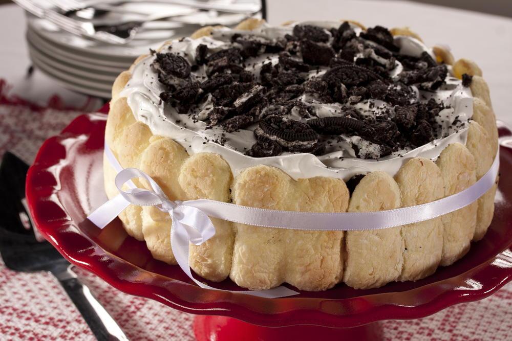 Elegant Dessert Recipes  Elegant Cookie Cream Torte