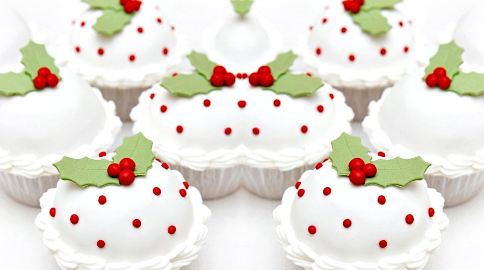 Fancy Christmas Desserts  Pop Culture And Fashion Magic Christmas desserts – Cupcakes