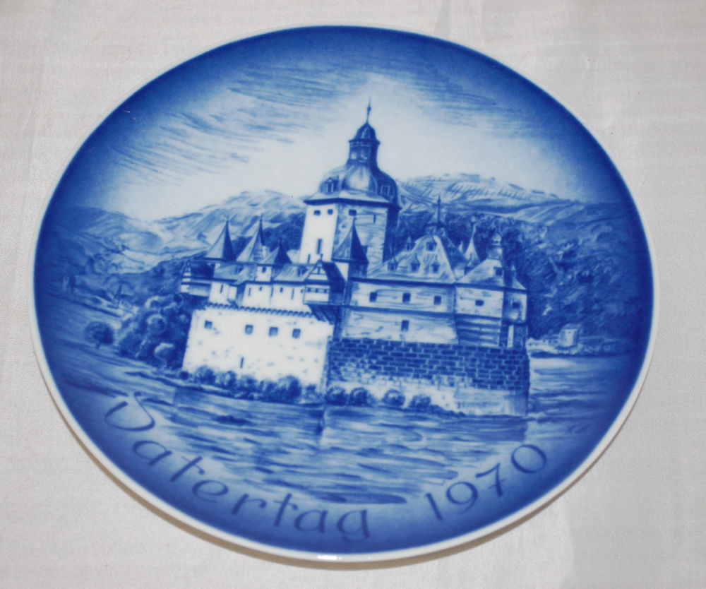 Father'S Day Dinner  Bareuther Waldsassen Father s Day 1970 Collector s Plate