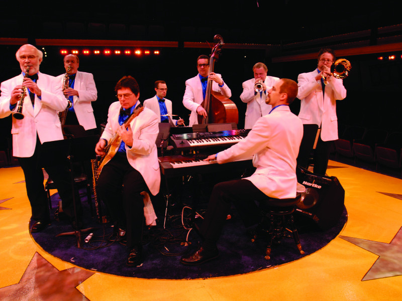 """Fireside Dinner Theatre  """"Sizzlin 60s"""" at the Fireside es as a groovy surprise"""