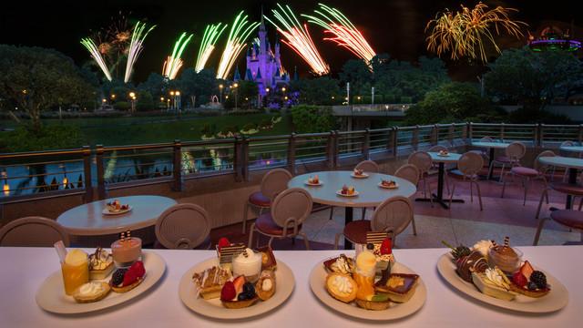 Fireworks Dessert Party At Tomorrowland Terrace  Happily Ever After Fireworks Dessert Party at Disney Magic