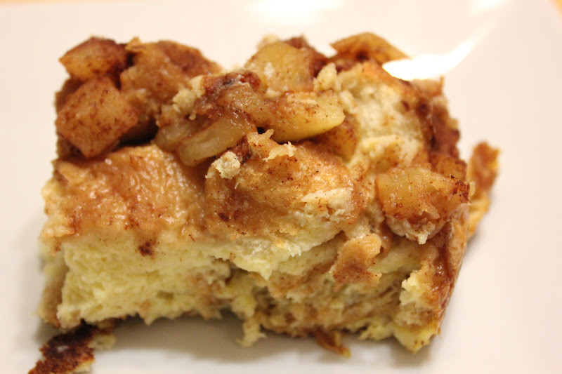 French Toast Casserole With Apples  THE BUSY MOM CAFE Baked Apple French Toast Casserole