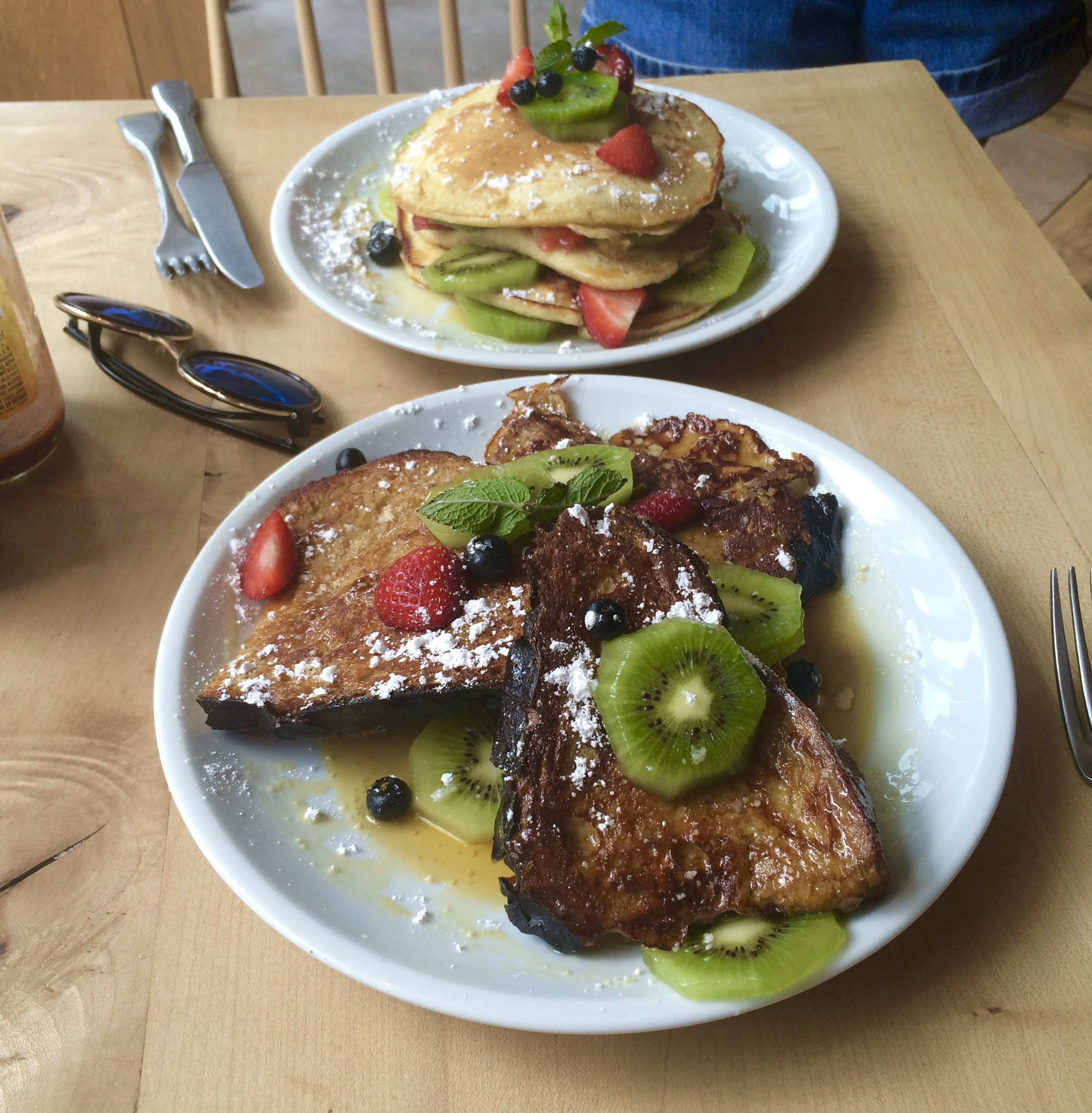 French Toast Pancakes  Restaurant Cantine California