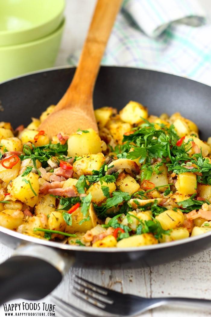 Fried Breakfast Potatoes  Pan Fried Breakfast Potatoes Happy Foods Tube