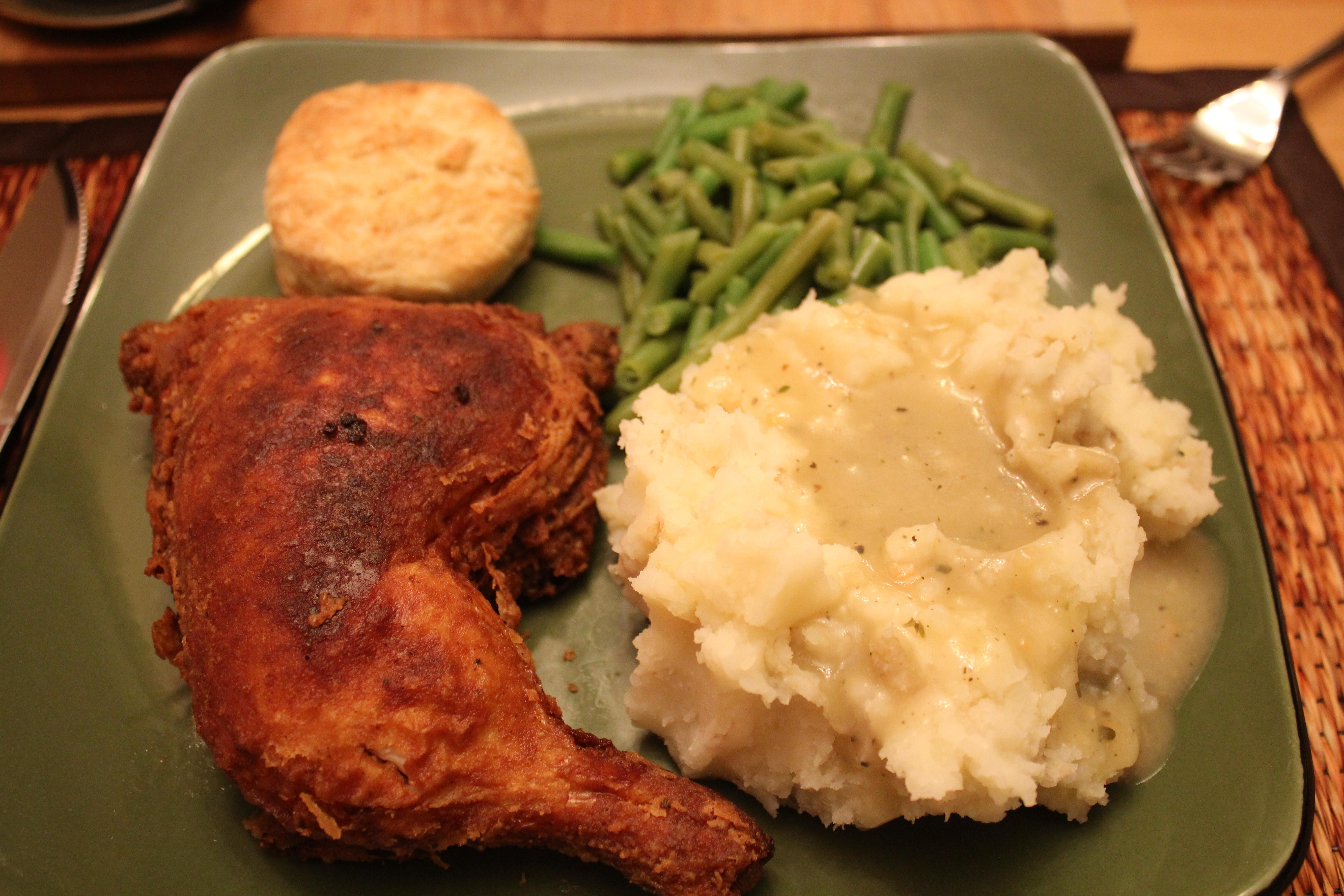 Fried Chicken Dinner  Deep South Part 4 Natchez Mississippi and Fried Chicken