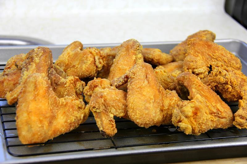 Fried Chicken Wings  jamaican fried chicken gravy