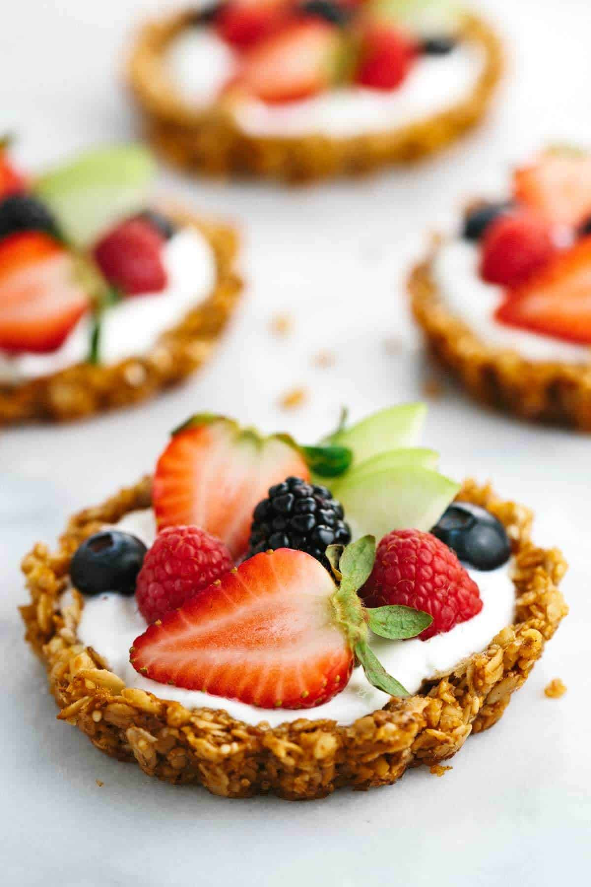 Fruit Pie Recipes  Breakfast Granola Fruit Tart with Yogurt Recipe