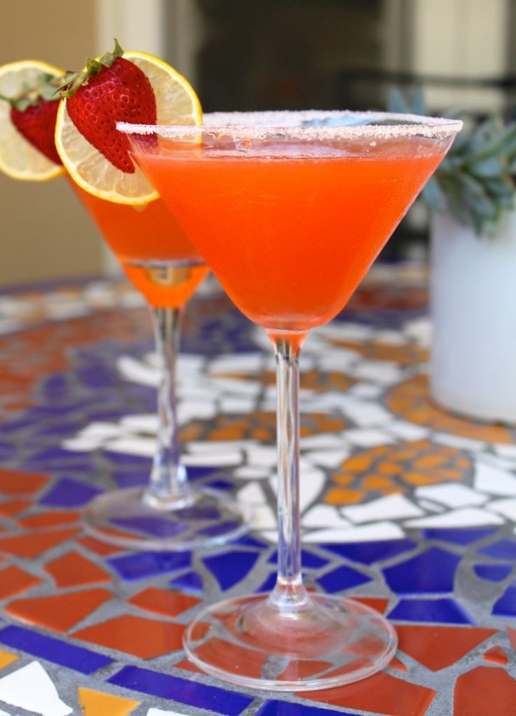 Fruity Mixed Drinks With Vodka  The 25 best Strawberry martini ideas on Pinterest