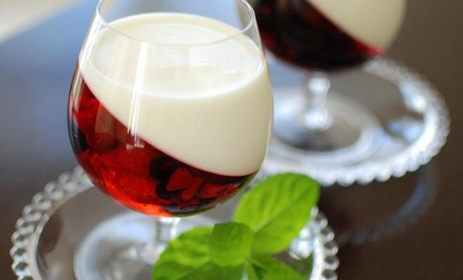 Fun Easy Dessert Recipes  Easy summer dessert recipe Yogurt & berry fruit jellies