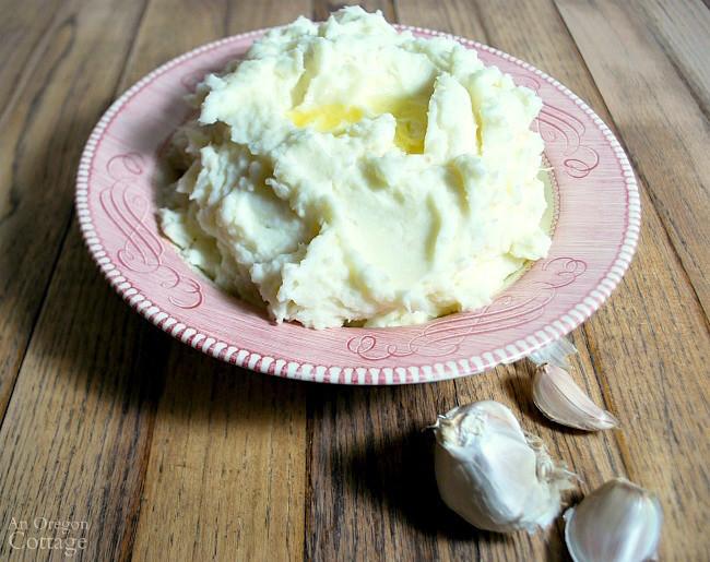 Garlic Mashed Potatoes With Sour Cream  Garlic & Sour Cream Mashed Potatoes Recipe