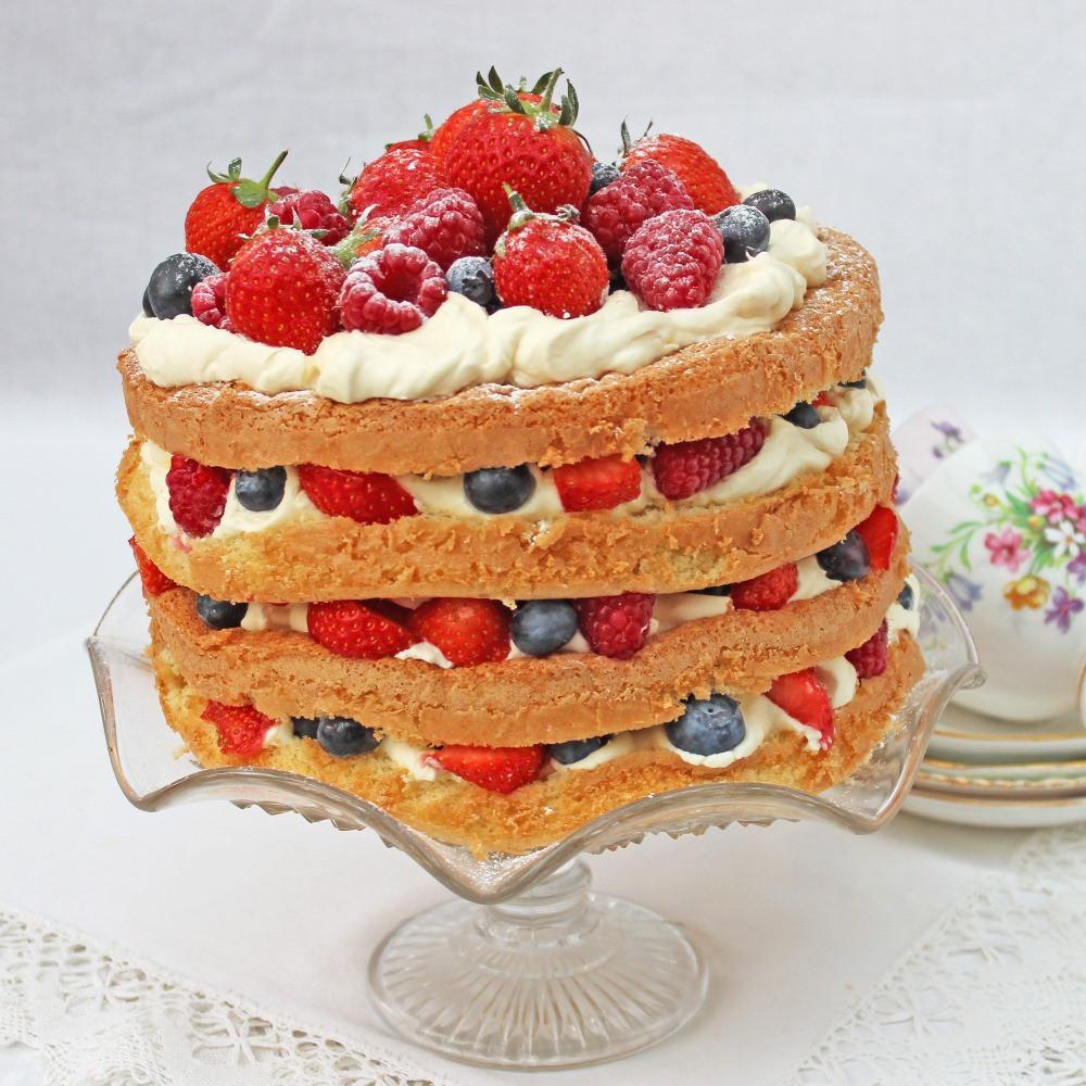 Genoise Sponge Cake  Genoise Sponge Cake with Berries