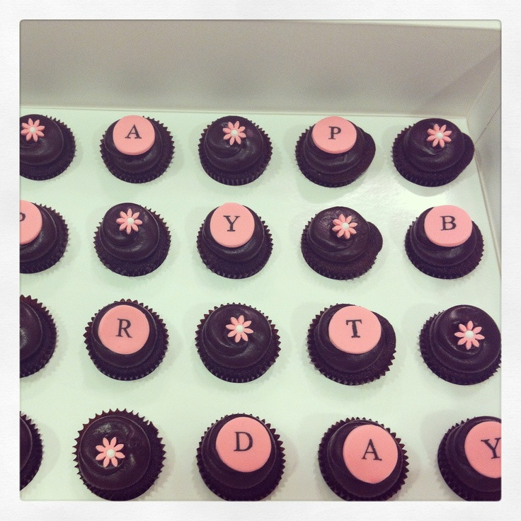 Georgetown Cupcakes Boston  32 best images about Geor own Cupcake Newbury on