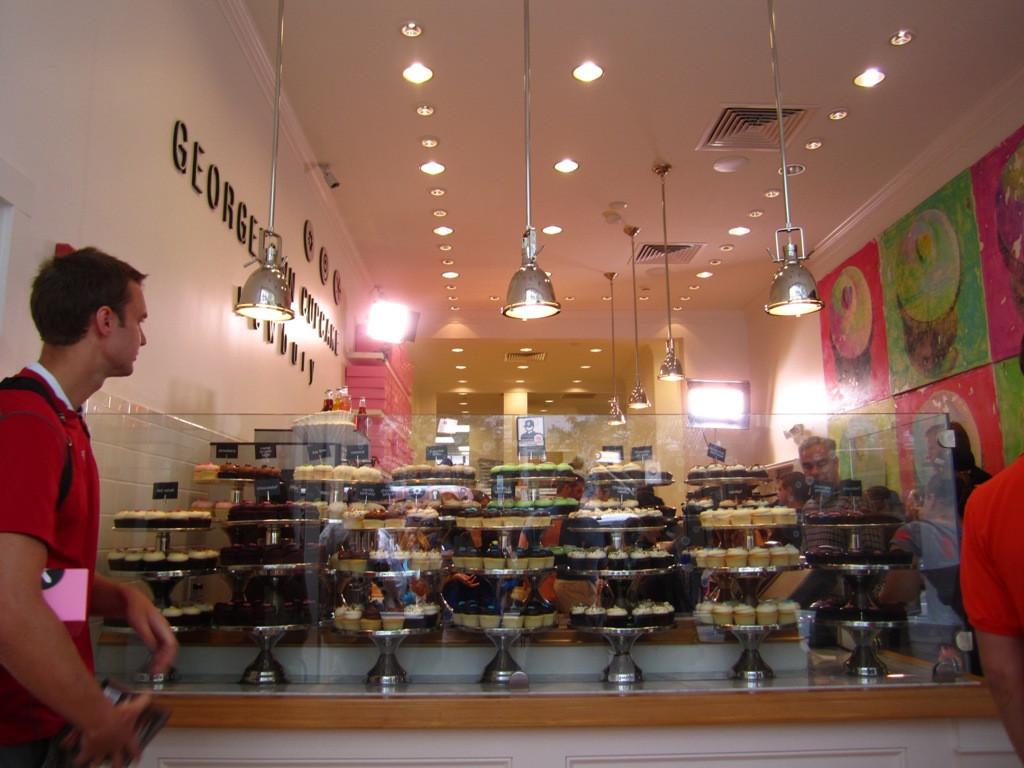 Georgetown Cupcakes Boston  What Up Geor own Cupcake and Jason Varitek