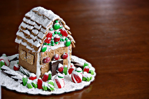 Gingerbread House With Graham Crackers  Art of Dessert Graham Cracker Gingerbread House with