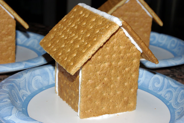Gingerbread House With Graham Crackers  15 Gingerbread Houses to Make with Kids Planet Smarty Pants