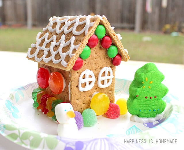 Gingerbread House With Graham Crackers  How to Make Graham Cracker Gingerbread Houses Happiness