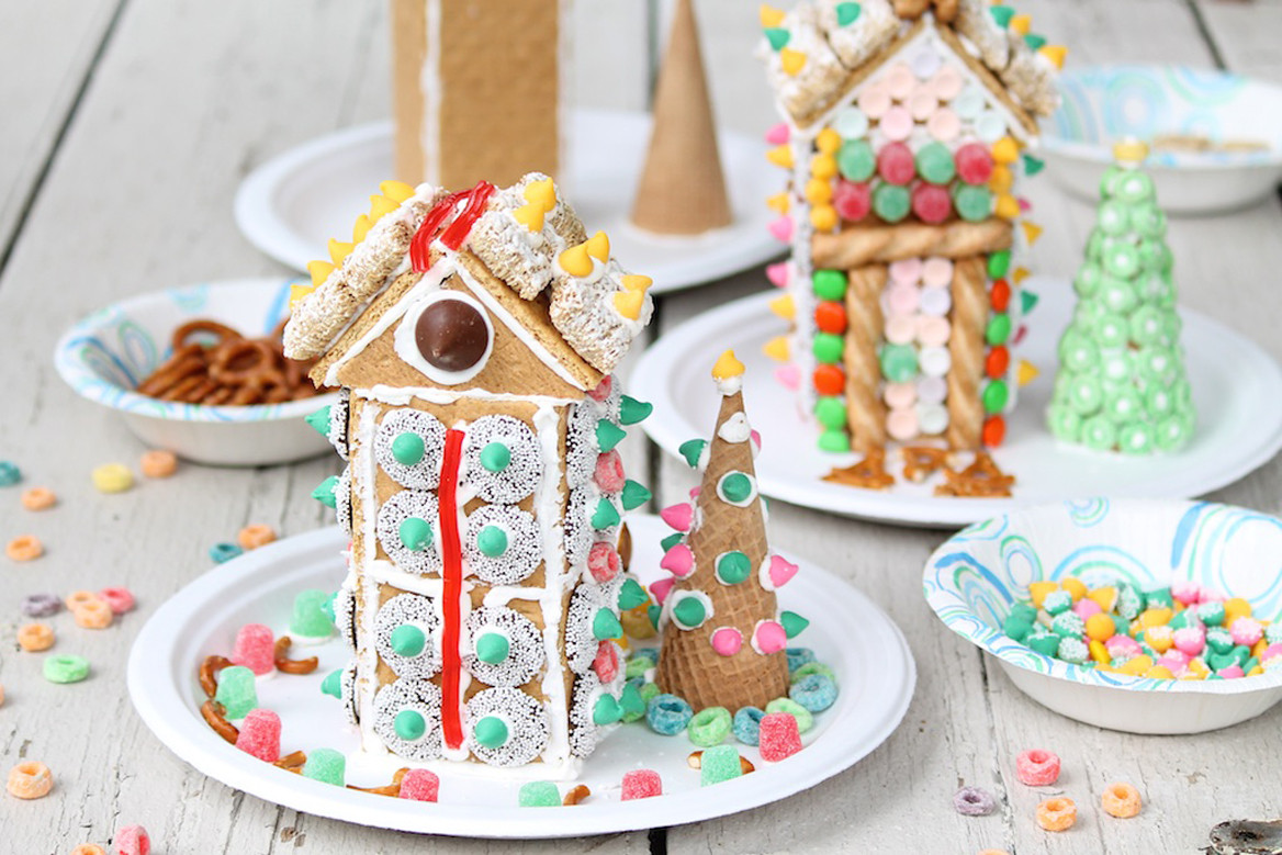 Gingerbread House With Graham Crackers  Graham Cracker Houses – The Fountain Avenue Kitchen