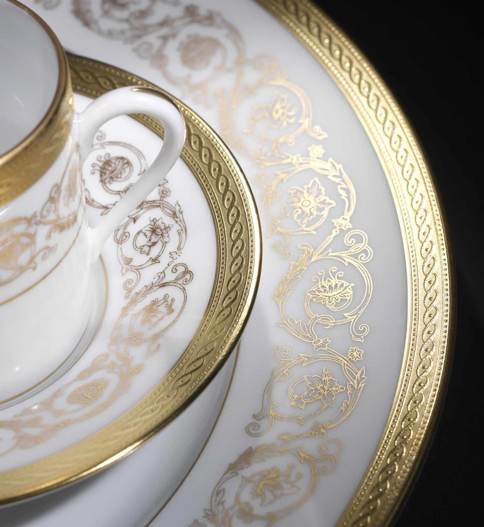 Gold Dinner Ware  Gold & Platinum dinnerware Ambassade dinnerware