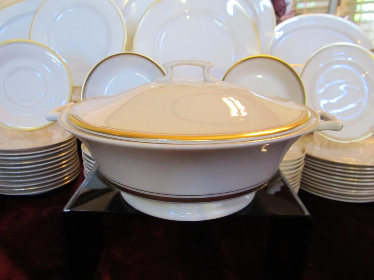 Gold Dinner Ware  Syracuse Fine China Contessa Cream & Gold 107 Pc