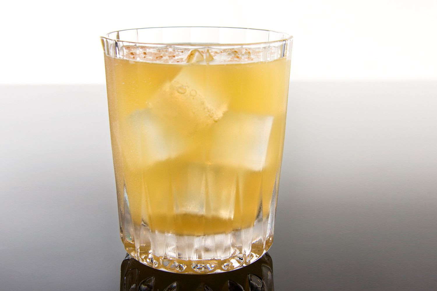 Good Drinks To Mix With Vodka  Vodka with Red Bull Popular Mixed Drink Recipes