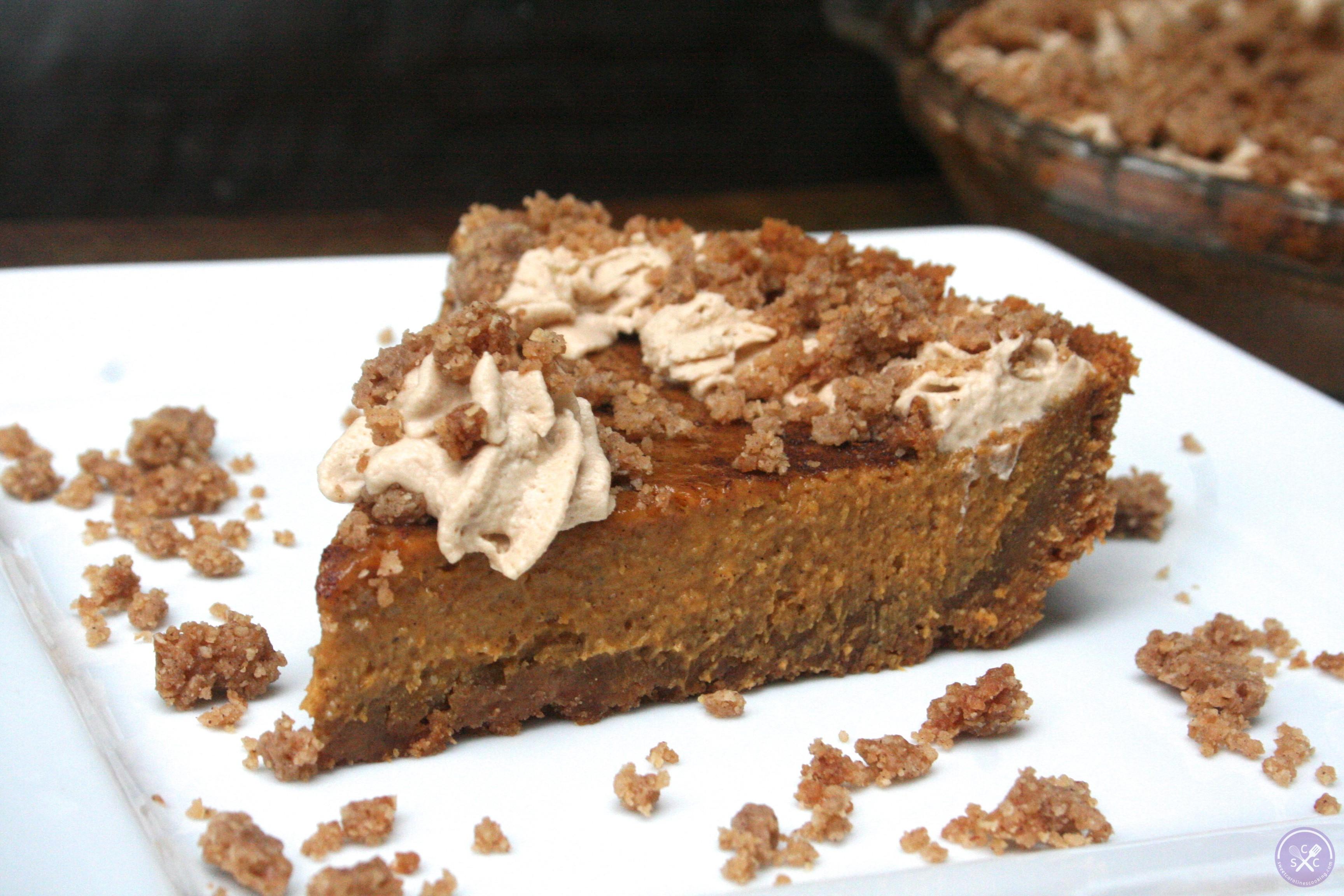 Graham Cracker Crust Pumpkin Pie  gobble gobble [pumpkin pie w graham cracker crust