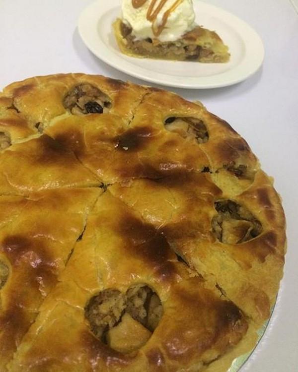 Granny Smith Apple Pie  Cake Rush in Miri City All cakes are homemade