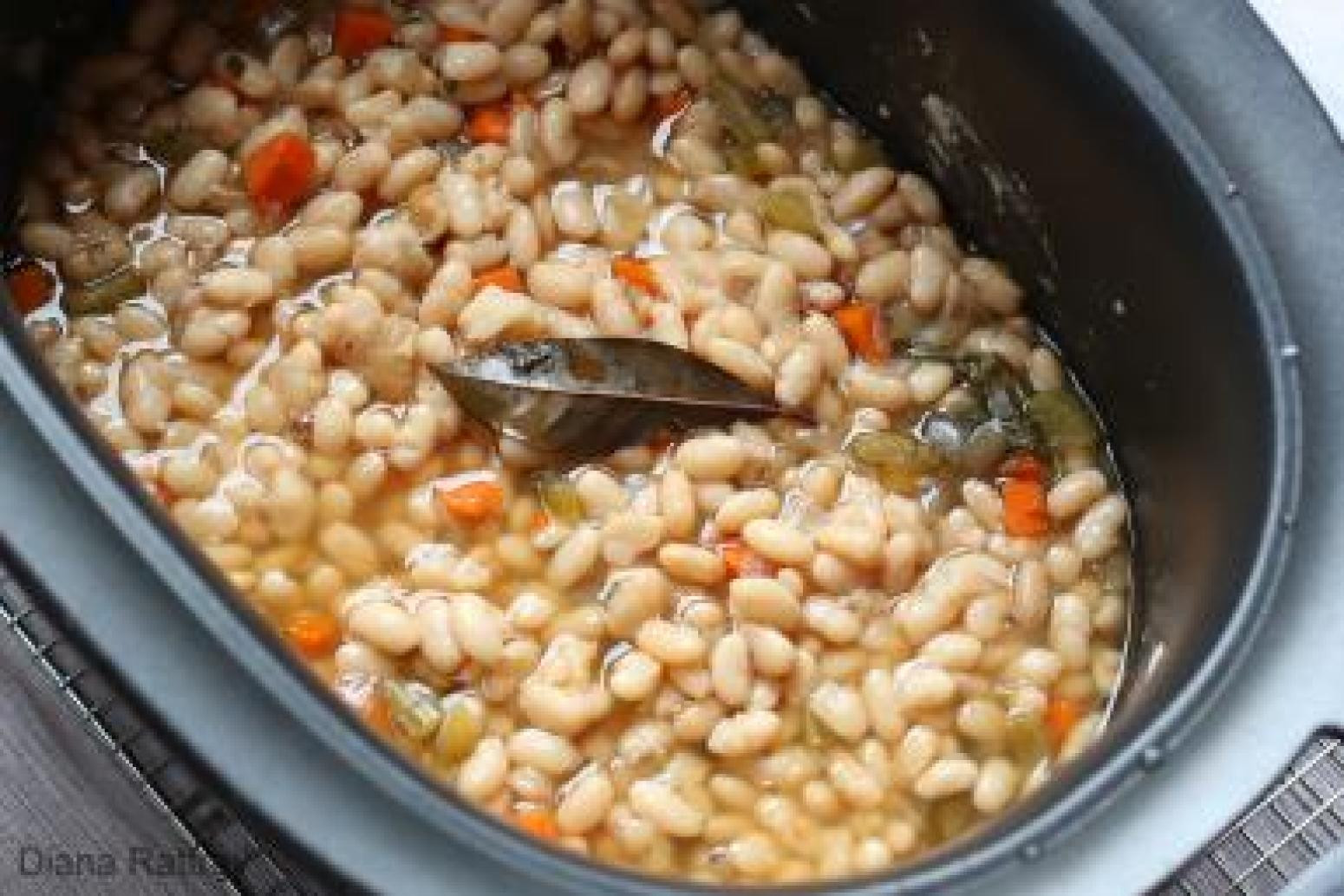 Great Northern Bean Recipes  Homemade Great Northern Beans From Your Slow Cooker Recipe
